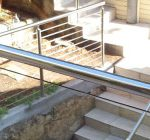 ontinuosly-weld-stainless-steel-50mm-diametr-tube-glass-toughened-211x140